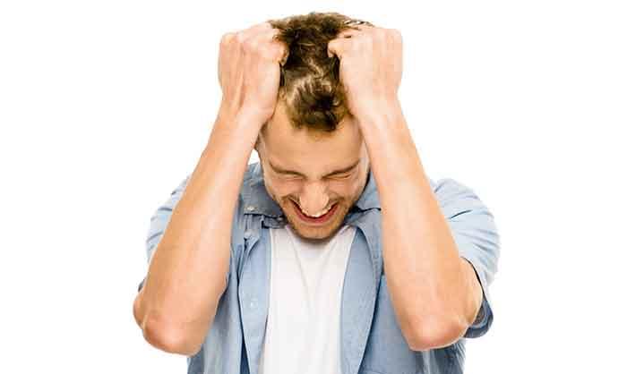 uomo-stress-tensione-bruxismo-