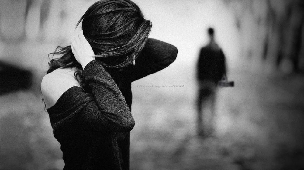 Risultati immagini per donne tristi che cercano amore